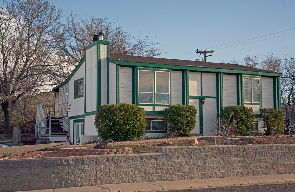 2 story home in Page, AZ great rental, single family home or Vrbo.
